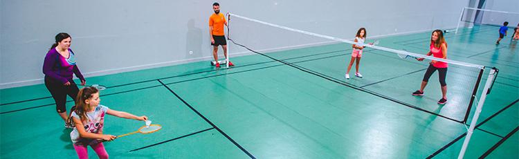 stage badminton